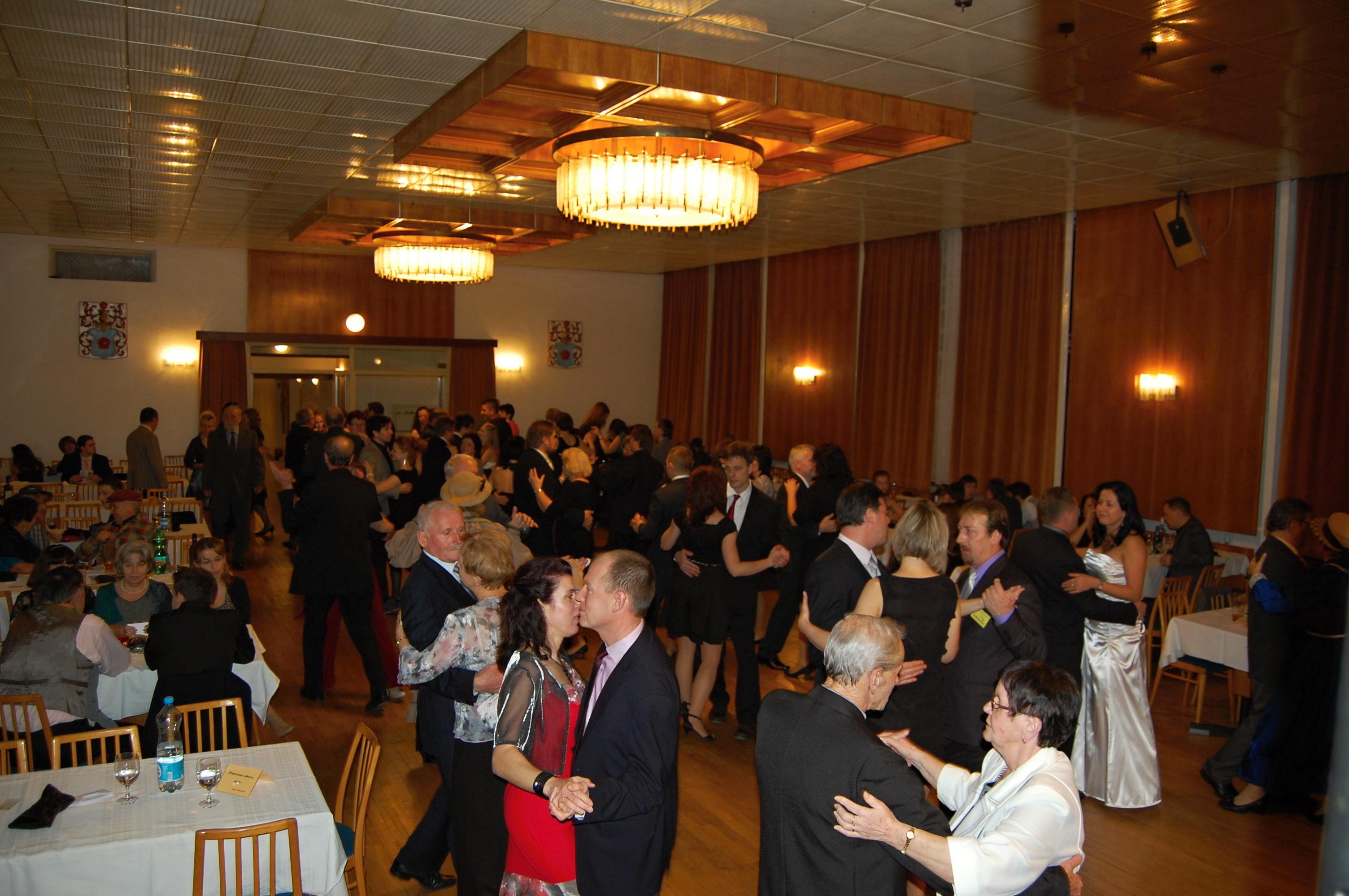 Divadelní ples 2015