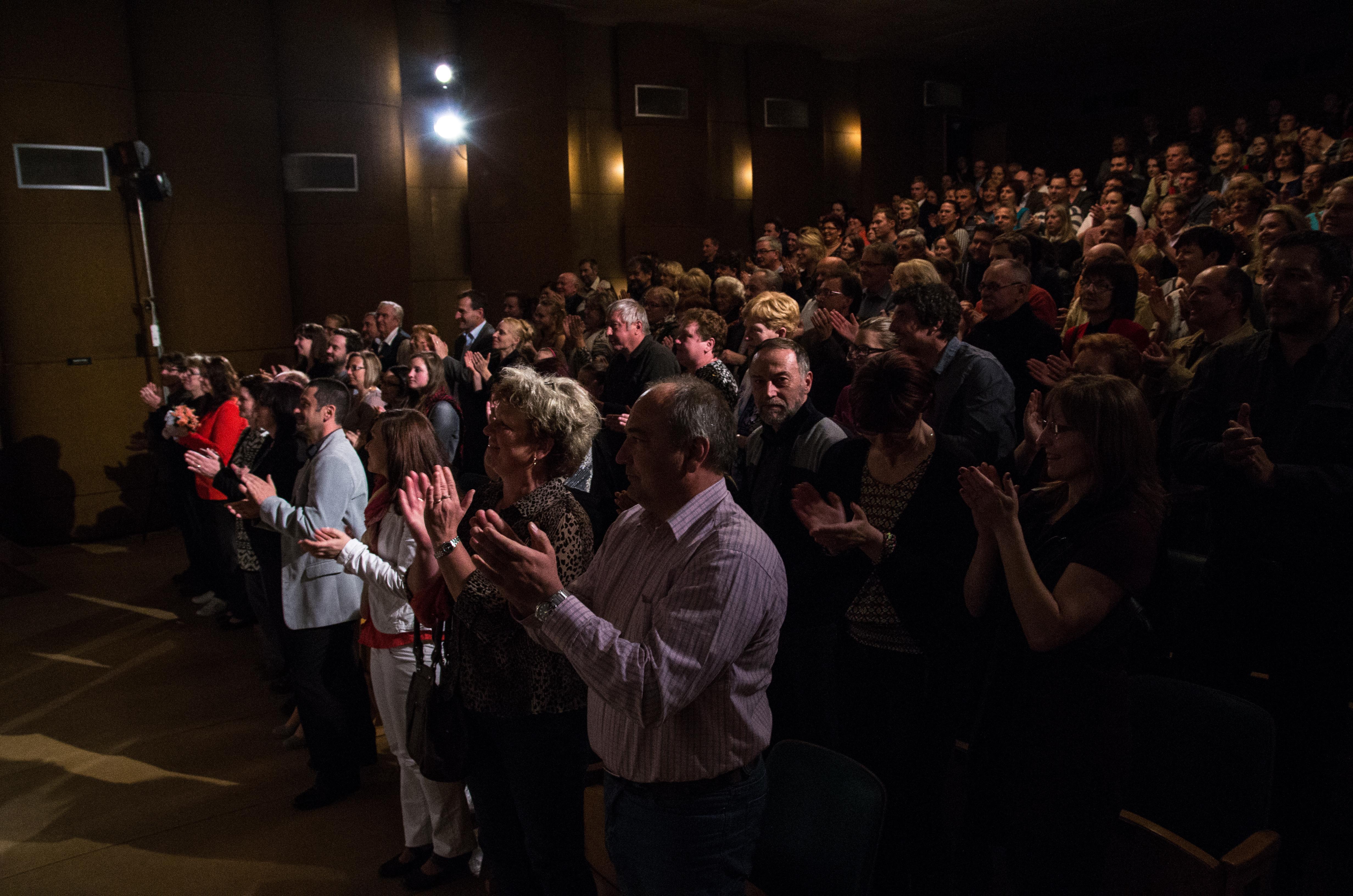 Divadelní představení sedlčanských ochotníků mělo úspěch